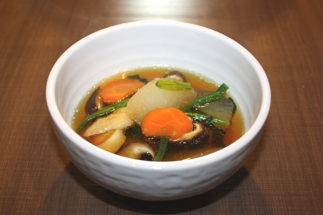 雑煮のレシピ※地域によって出汁の味付けにはどんな違いがある?