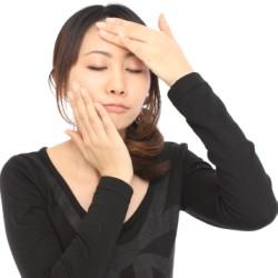顔のテカリを抑える方法ってある?入浴やスキンケアが原因?