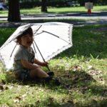 遮光の日傘の効果はどの程度あるの?色による違いは?寿命は?